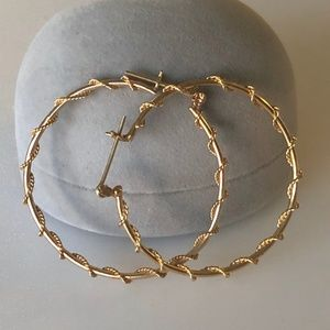 "Contemporary 14k Large 1.5"" Spiral Hoops 3g"